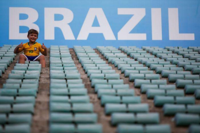 A young Brazlian soccer fan