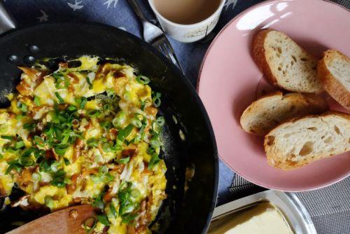 Scrambled eggs in a pan